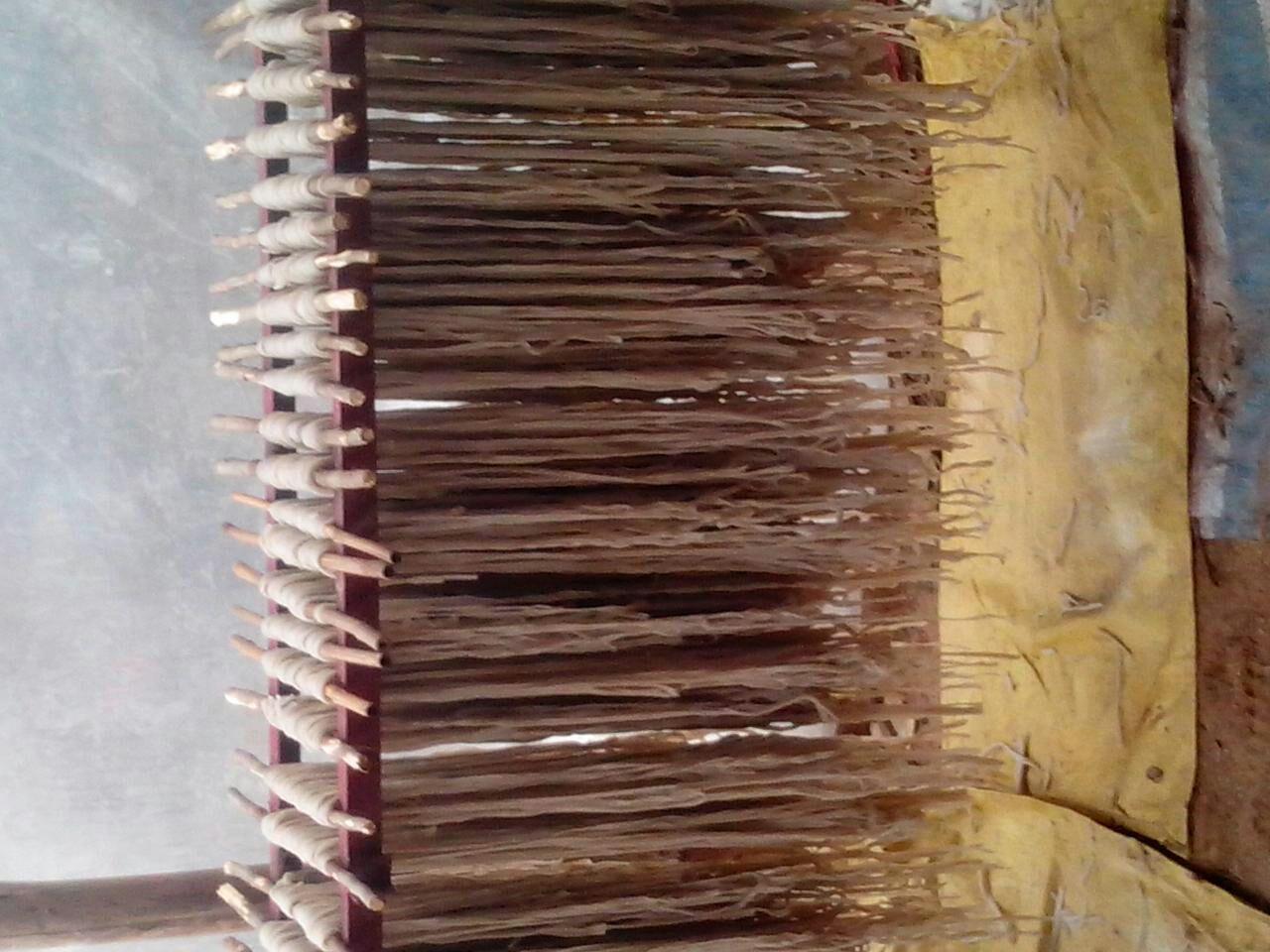 本粉条采用纯红薯和传统手工制作方法而成