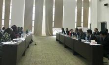 屈冬玉副部长会见坦桑尼亚农业部长蒂泽巴