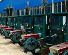 农业部公布拖拉机和联合收割机安全监管新规范
